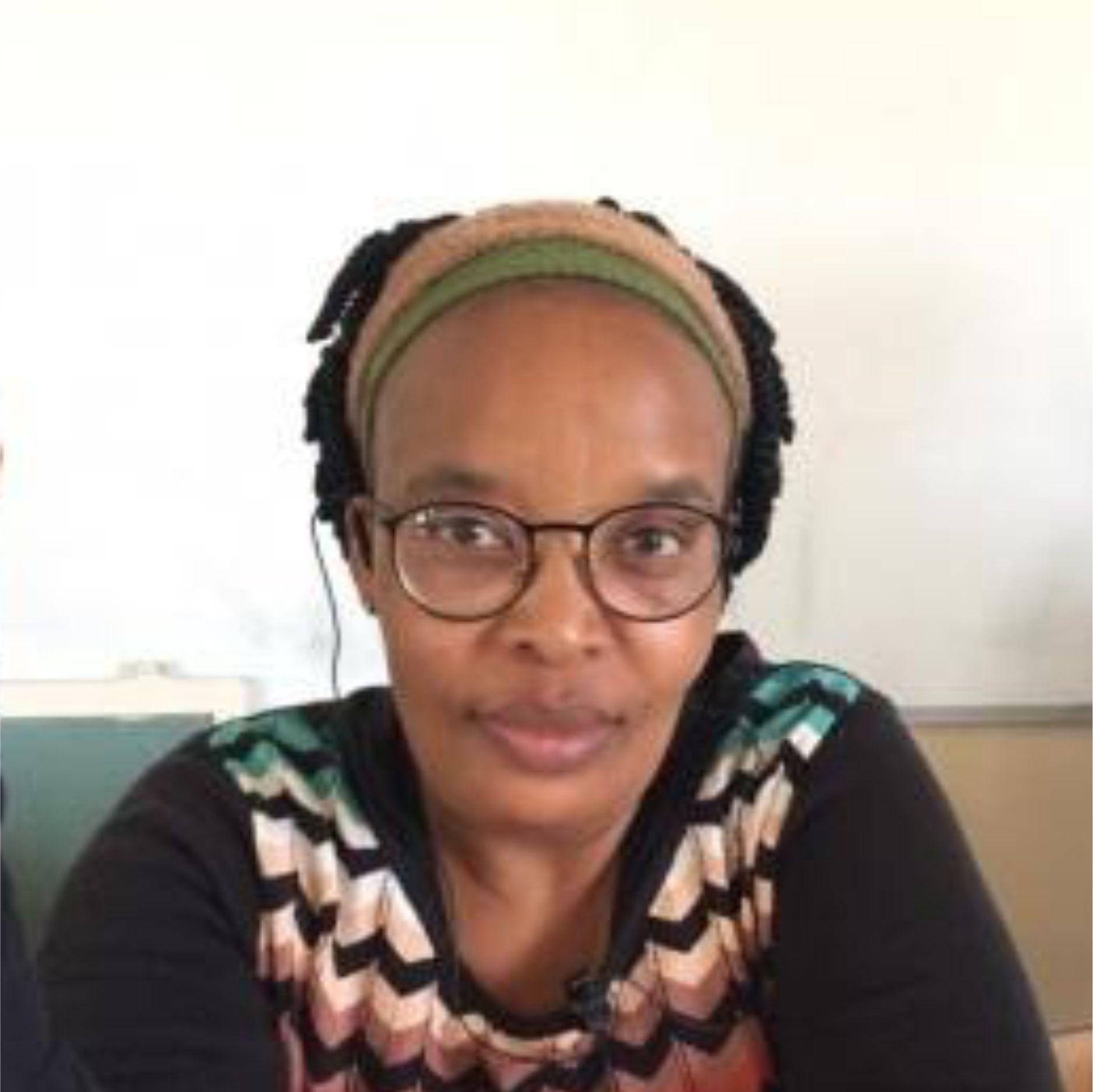 Ms Hlengwa